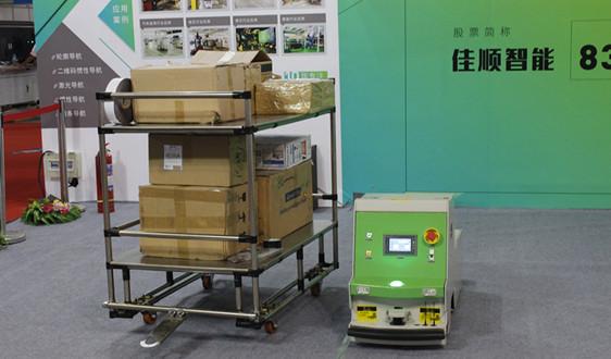 原来中国跨境电商的海外仓里都是机器人了!仓库内景首次大曝光!