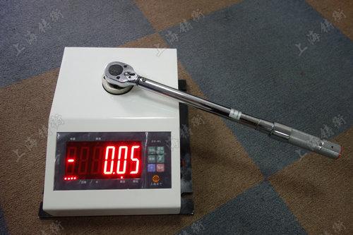 非标定制扭矩扳手校验仪图片